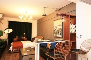 小户型一居室装修餐吧台设计