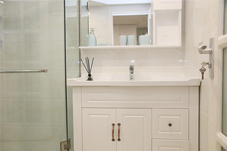 二居室公寓装修洗手台设计