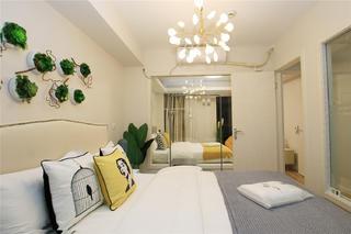 二居室公寓卧室装修效果图