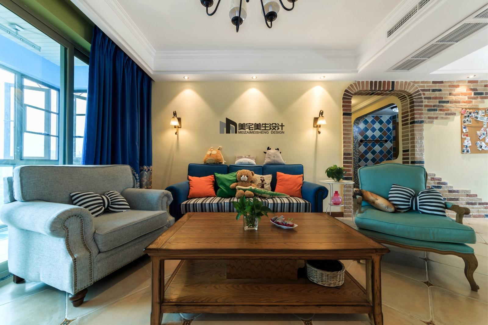 130㎡美式田园风沙发背景墙装修效果图