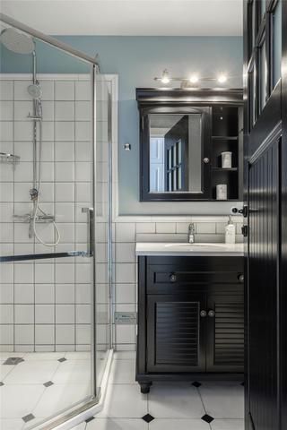 大户型美式复古风卫生间装修效果图