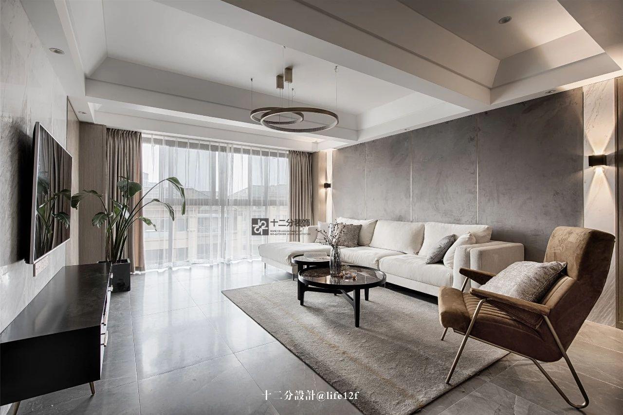 115平三居室客厅吊顶装修效果图