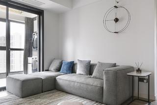 105平米三居室装修沙发设计图