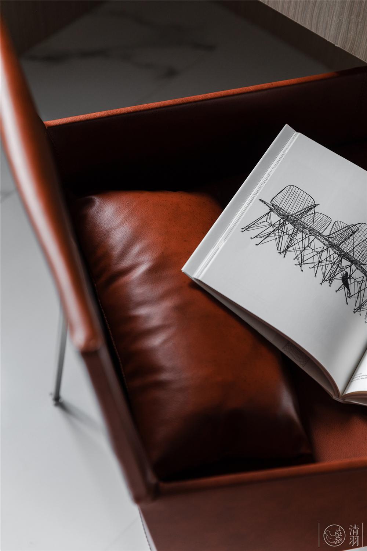 115㎡简约现代风格装修皮质椅特写