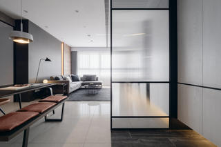四居室现代风格玻璃隔断装修效果图