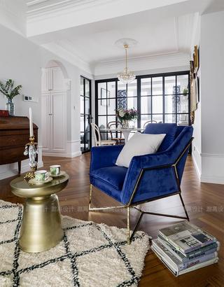 现代轻法式风三居装修蓝色沙发椅设计图