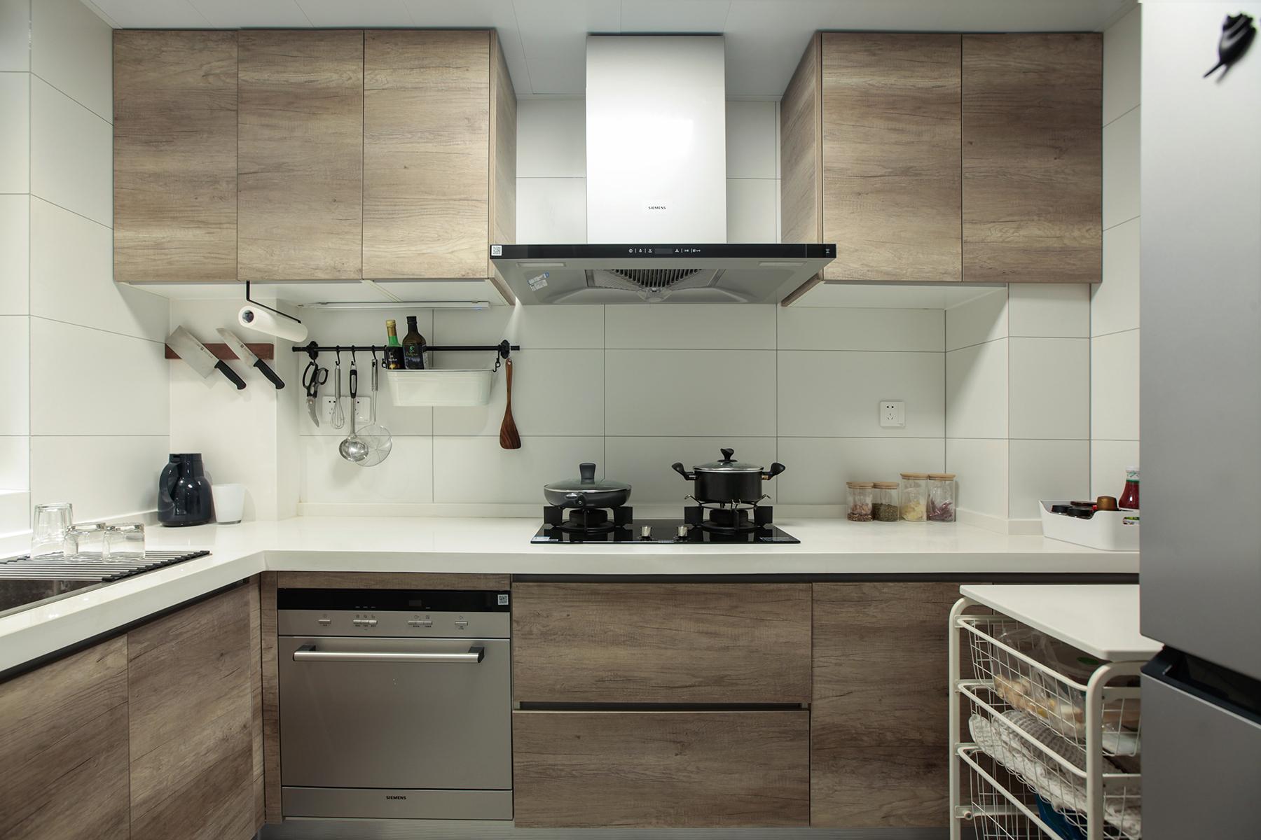 78㎡现代二居厨房装修效果图