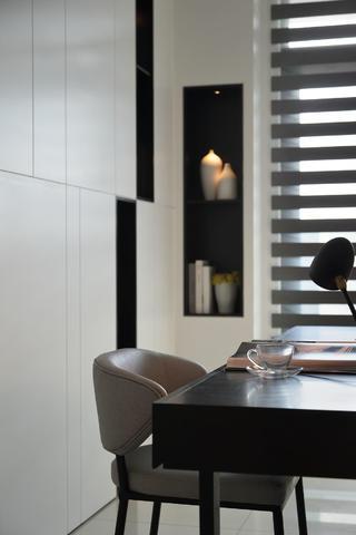 大户型现代简约装修书桌设计图
