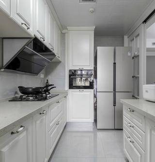 125平美式风格厨房装修效果图