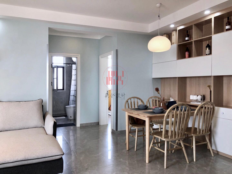 现代简约两居室餐厅装修效果图