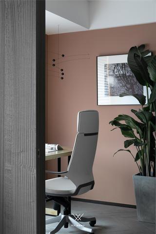 135㎡现代三居室书房装修效果图