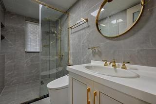 轻奢风四居室卫生间装修效果图