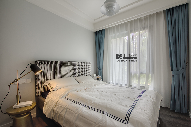 现代风二居卧室装修效果图