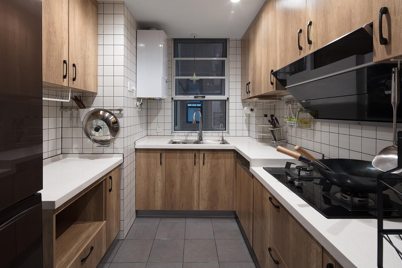 日式风格三居室厨房装修效果图