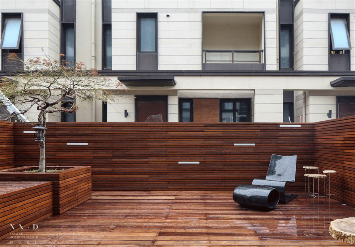现代简约风格别墅装修露台效果图
