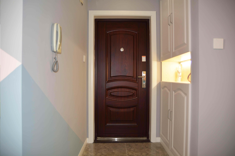 70㎡二居室玄关装修效果图