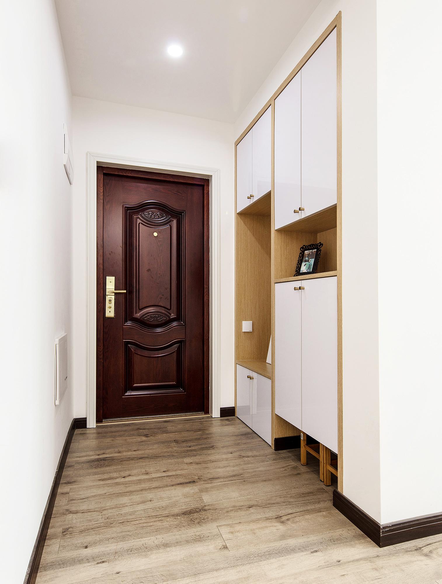 北欧风三居室玄关装修效果图