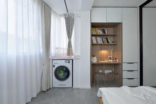 70平二居室装修书桌柜设计