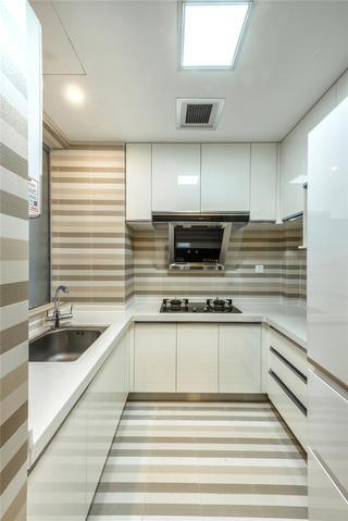 现代混搭三居室厨房装修效果图