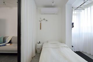 70平二居卧室装修效果图