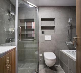 135平现代简约卫生间装修效果图