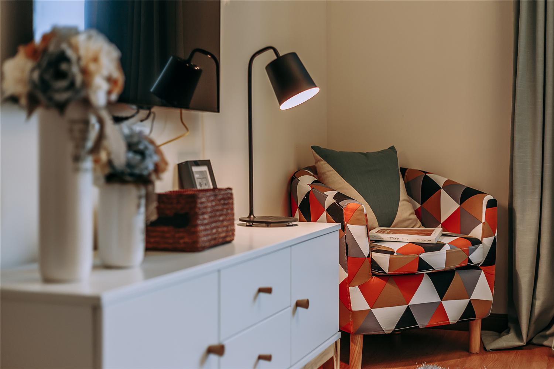 混搭风格三居室装修沙发椅设计
