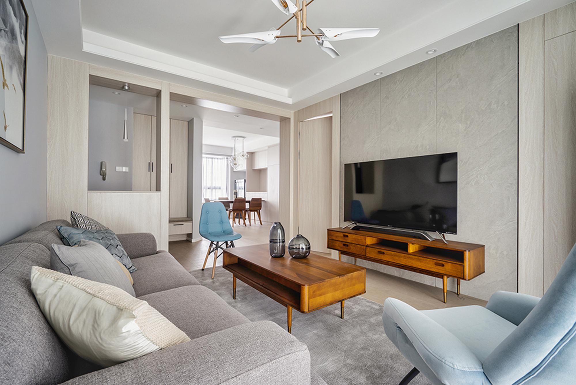 110平二居室客厅电视墙装修效果图