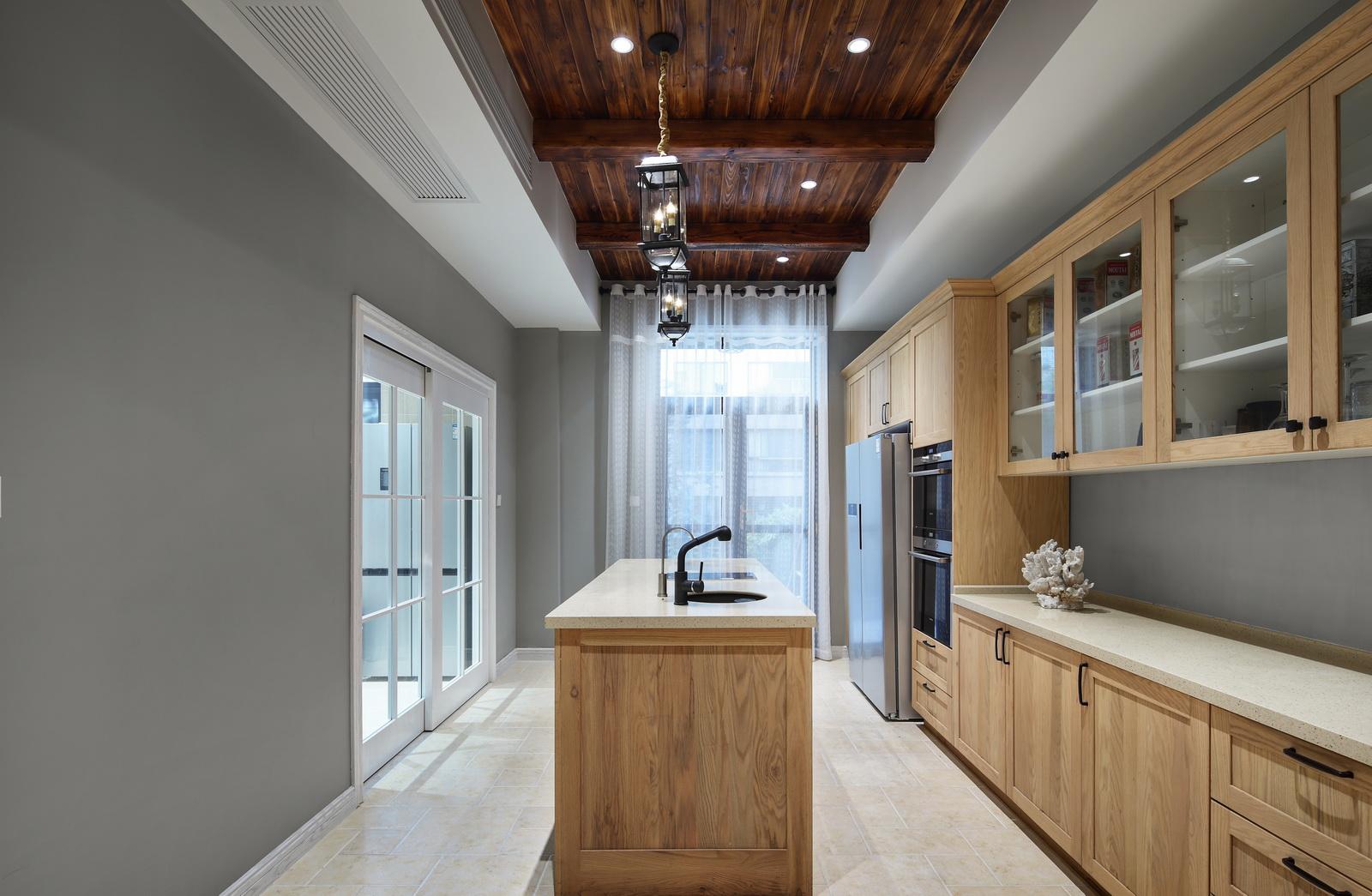 简美风格别墅厨房装修效果图