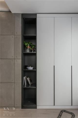 90平米二居装修收纳展示柜设计