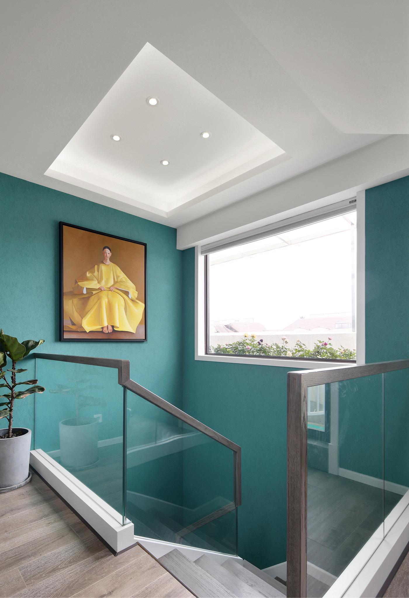 复式现代简约风楼梯间装修效果图