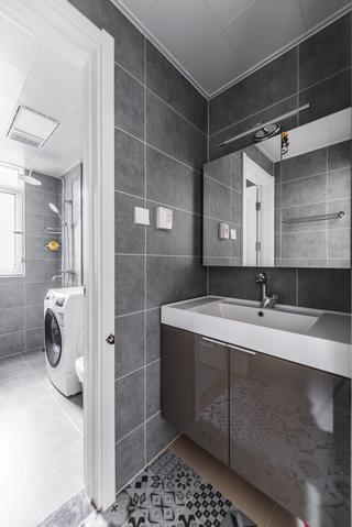 北欧混搭三居卫生间装修效果图