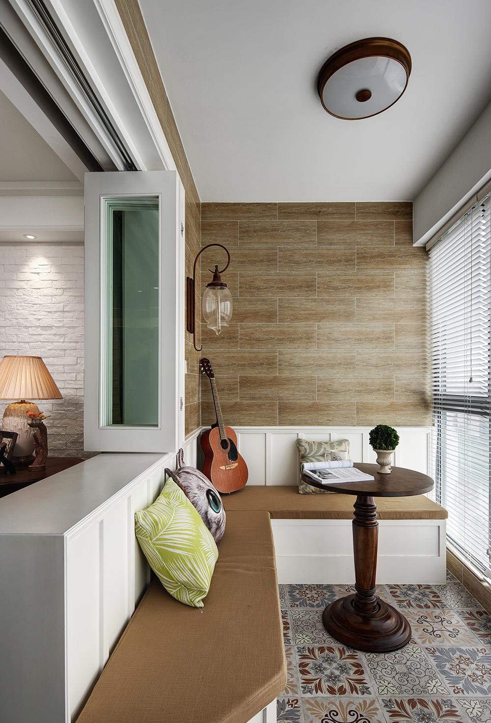 美式风格三居阳台装修效果图