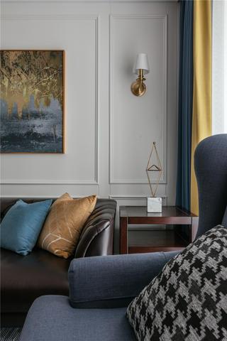 简美风格两居装修客厅一角