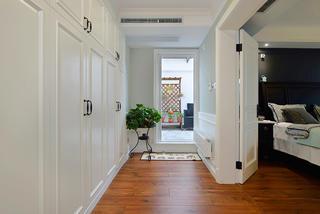 复式美式三居装修过道衣柜设计