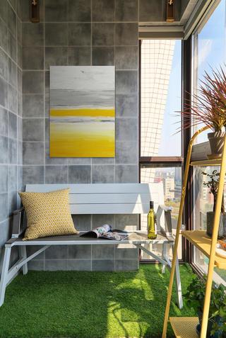 美式轻奢二居阳台装修效果图