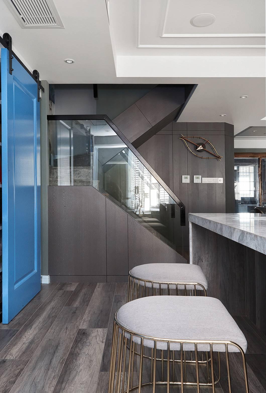 复式现代混搭风楼梯装修效果图