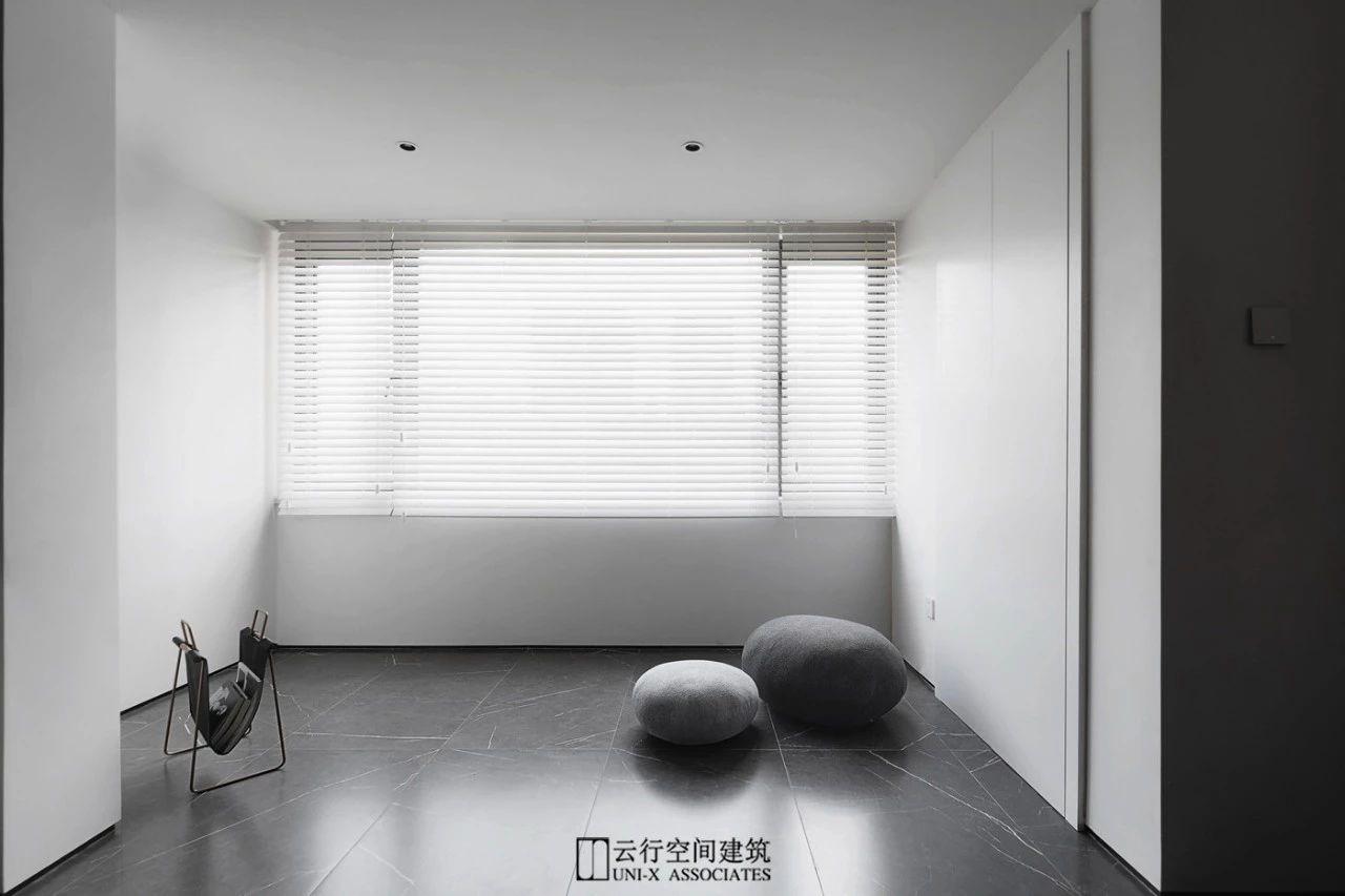 160㎡现代简约阳台装修效果图