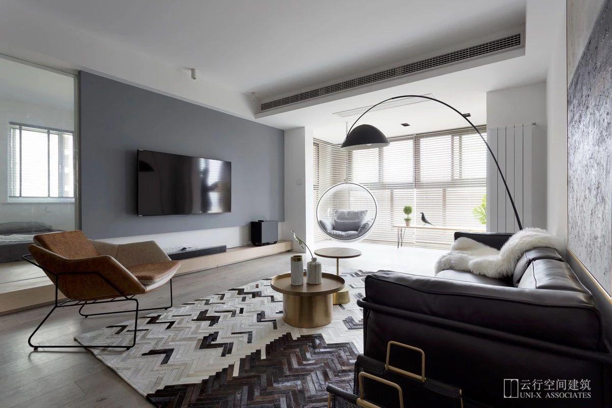 现代简约三居室客厅电视墙装修效果图