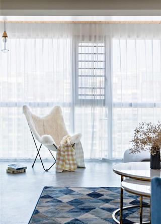 北欧现代四居室装修阳台休闲椅设计