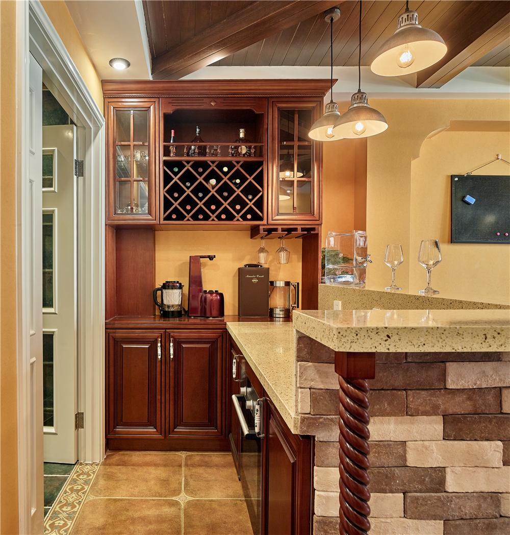 美式复古风两居西厨吧台装修效果图