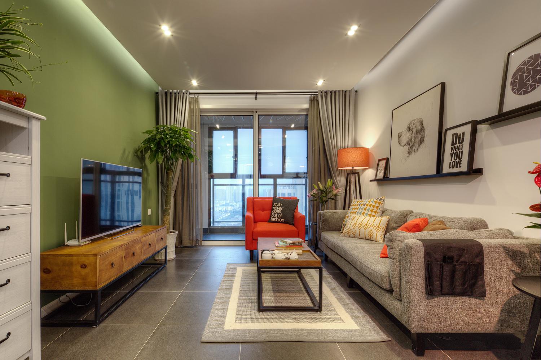 104平米三居室客厅装修效果图