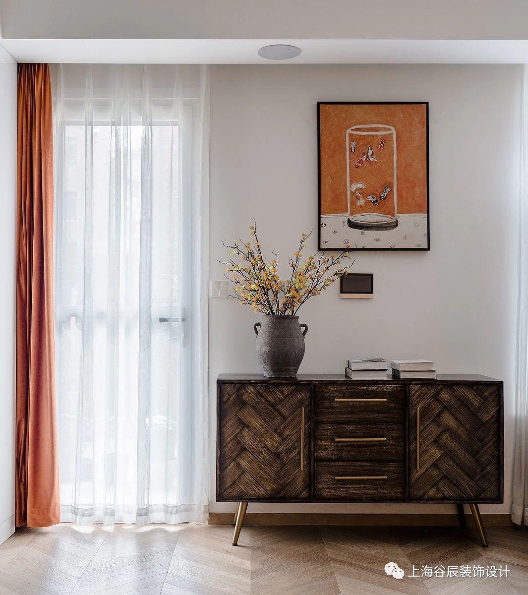 200平现代别墅装修边柜设计