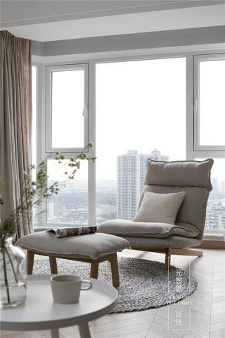 104平米三居室装修休闲椅设计