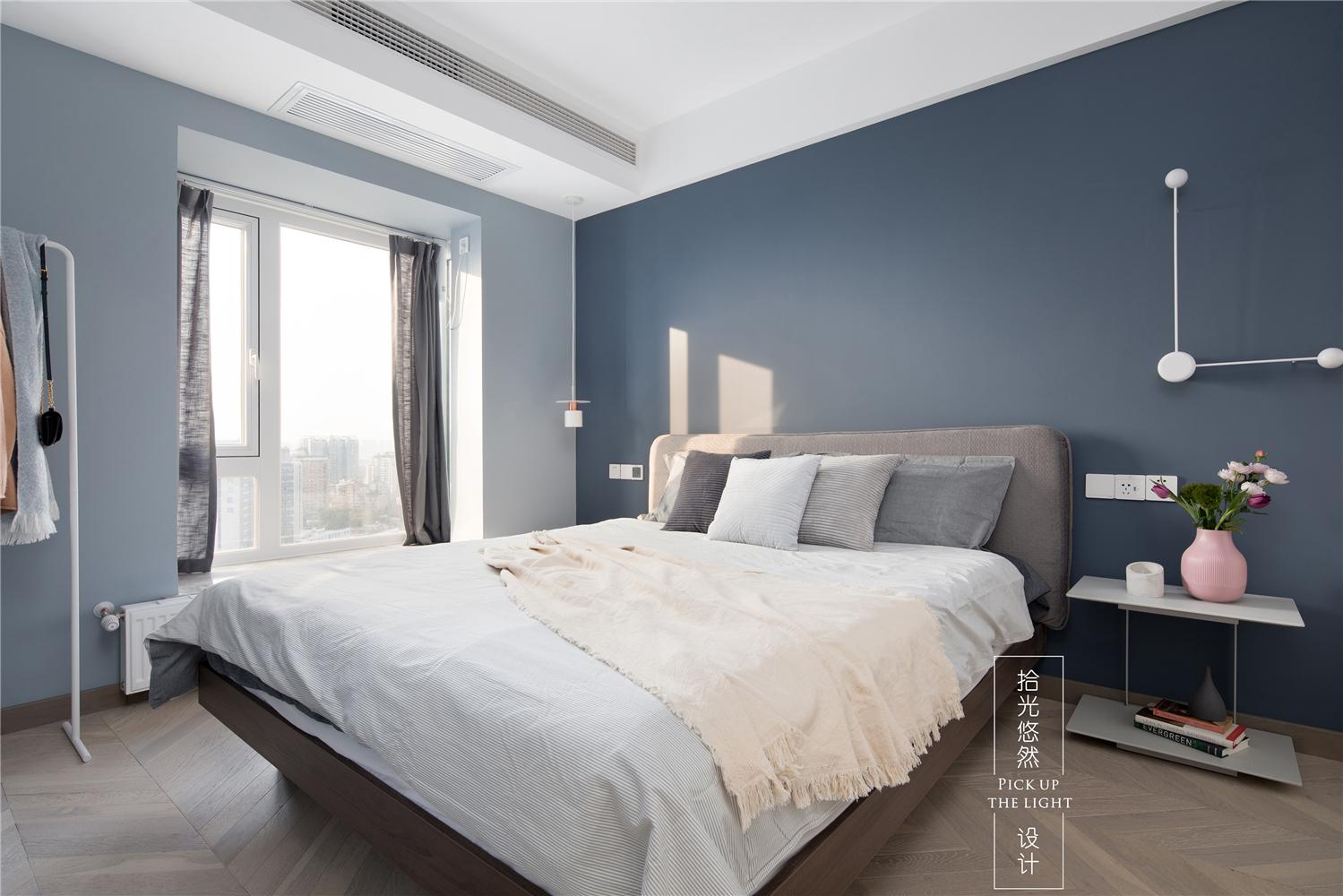 104平米三居卧室装修效果图