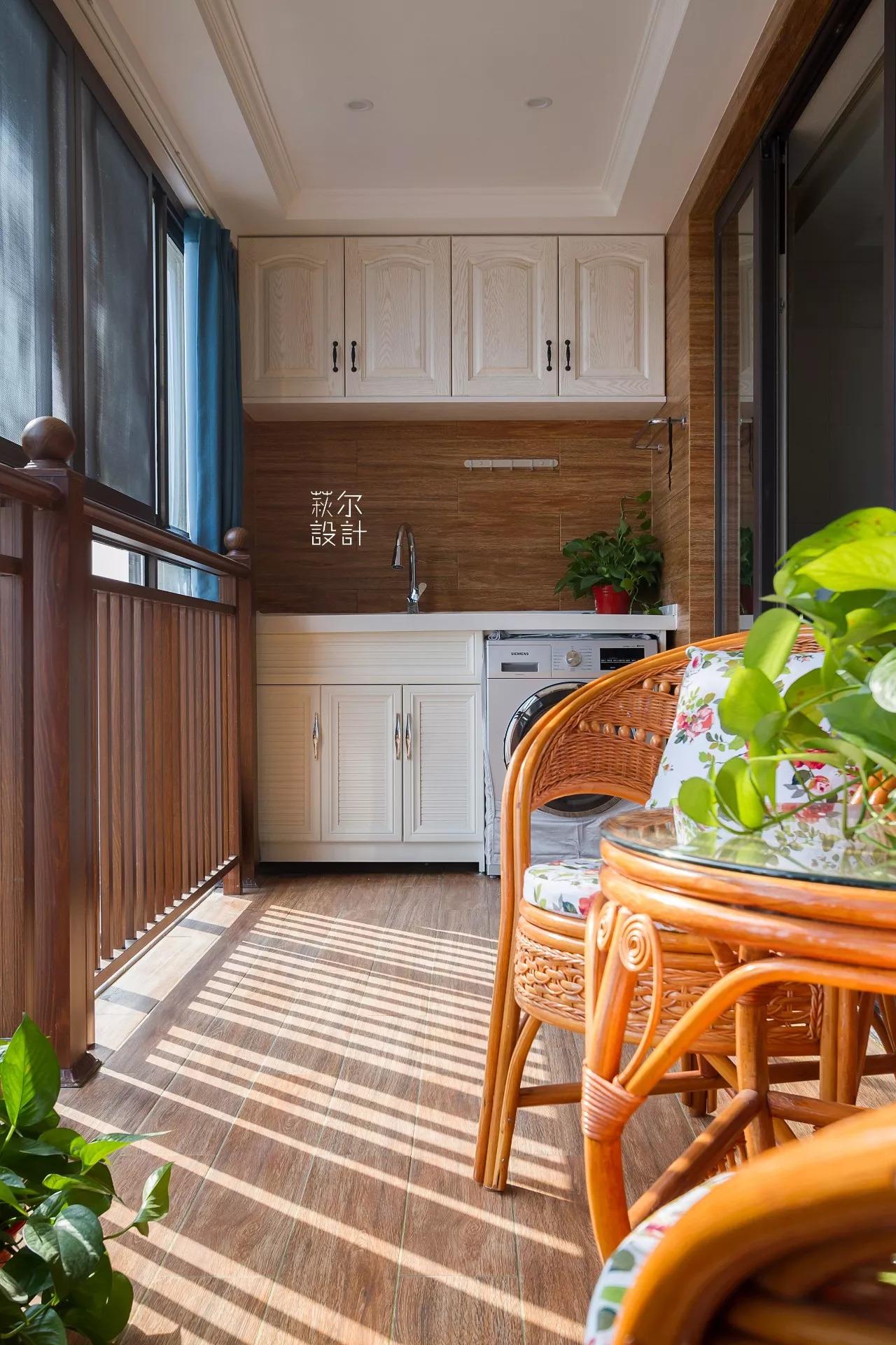 美式风格四房阳台装修效果图