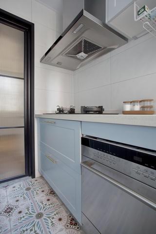 140平米三居室廚房裝修效果圖
