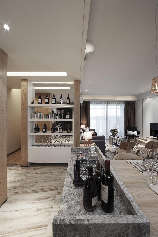103平米三居室装修酒柜设计
