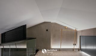 140平米LOFT装修楼道空间设计