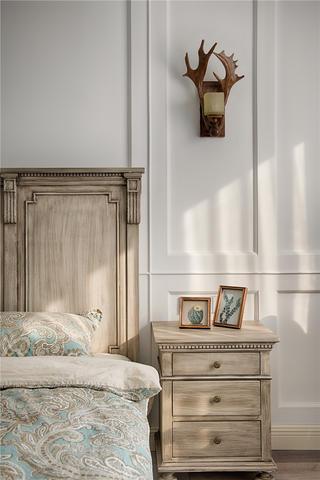 150㎡美式乡村风格装修床头柜设计