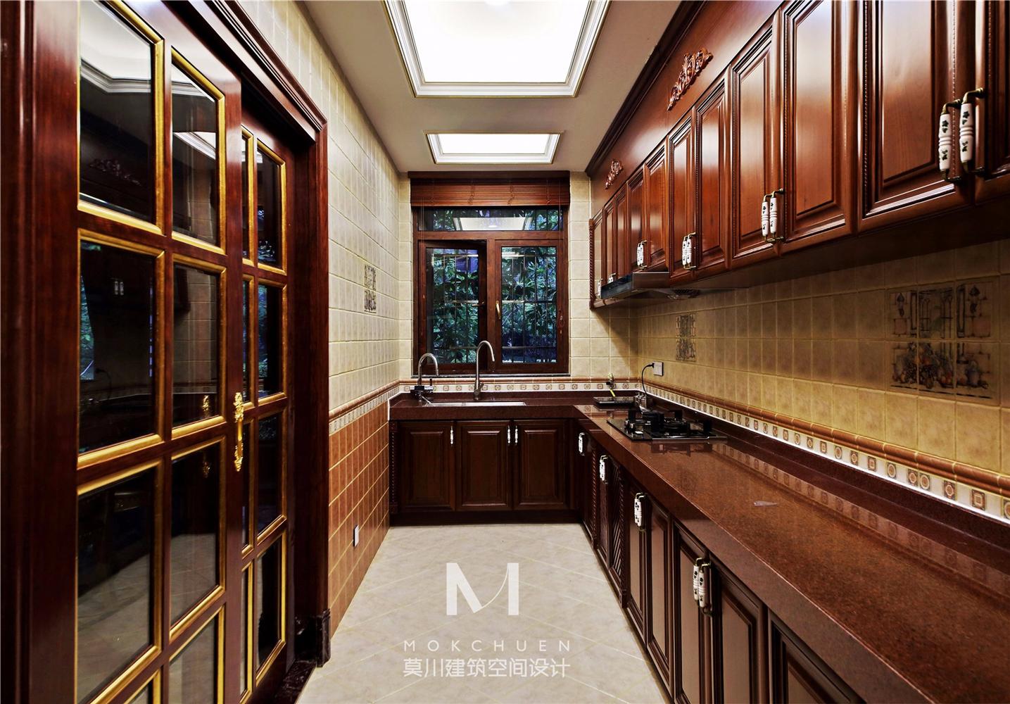 奢华欧式别墅厨房装修效果图